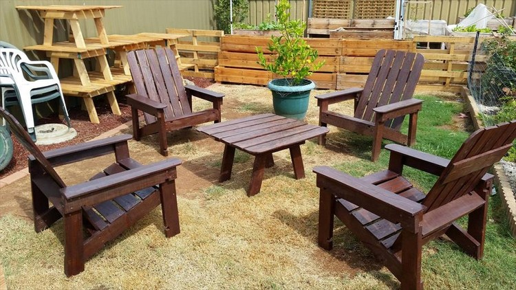 Pallet Patio Fire-pit Chairs Set with Table
