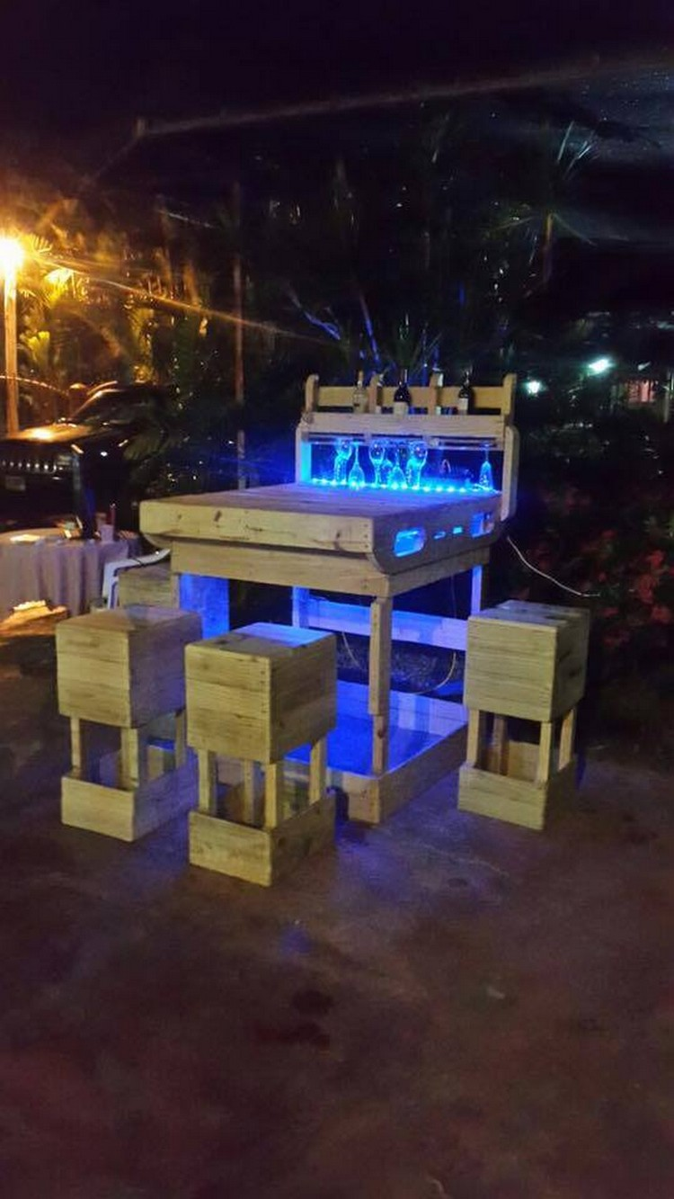 Pallet Outdoor Wine Bar With Lights Pallet Wood Projects