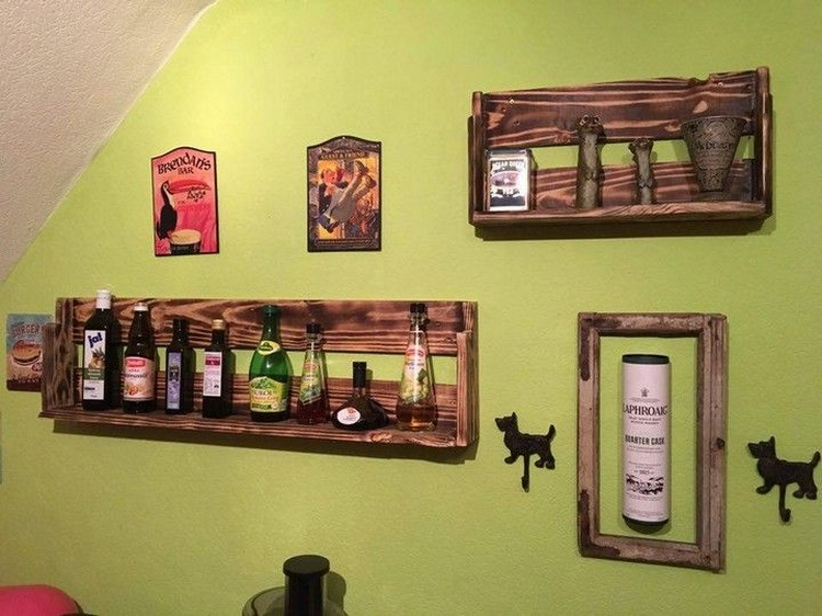 Pallet Wine Rack and Wall Art