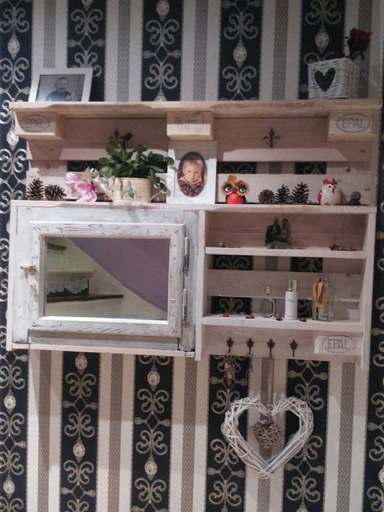 Decorative Pallet Wall Shelf