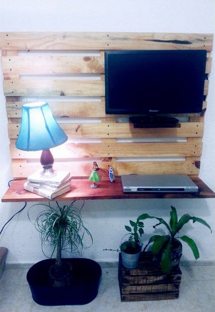 Wood Pallet Wall LCD Holder