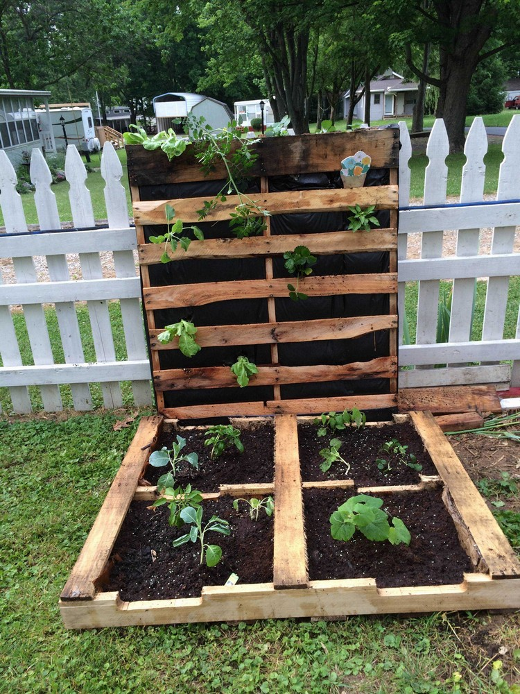 Some genius projects to try with recycled wood pallets for Pallet ideas