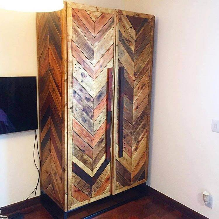 Wood Pallet Cabinets