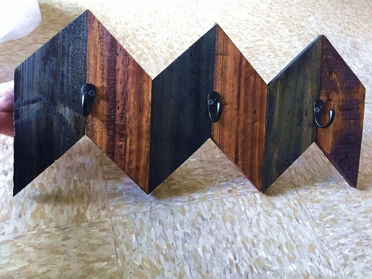 Wood Pallet Coat Hanging Shelf