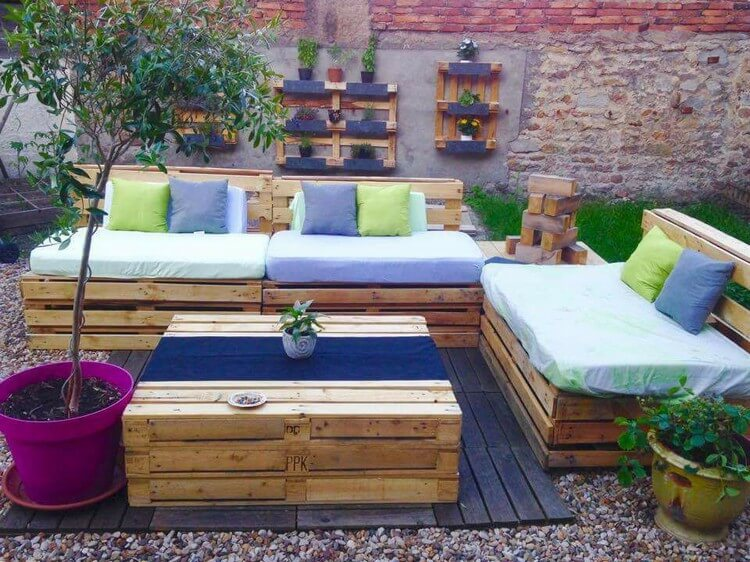 Pallet Garden Furniture and Wall Planters