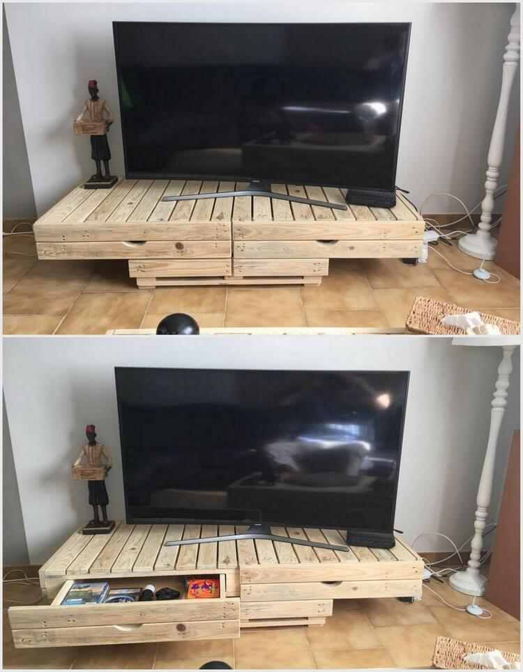Pallet Media Table with Big Drawers