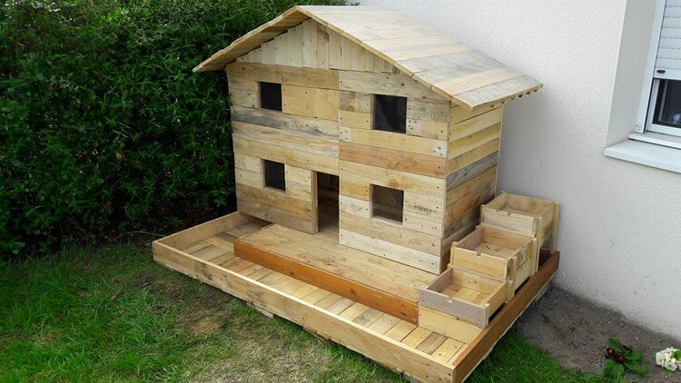 Pallet Mini Playhouse for Kids