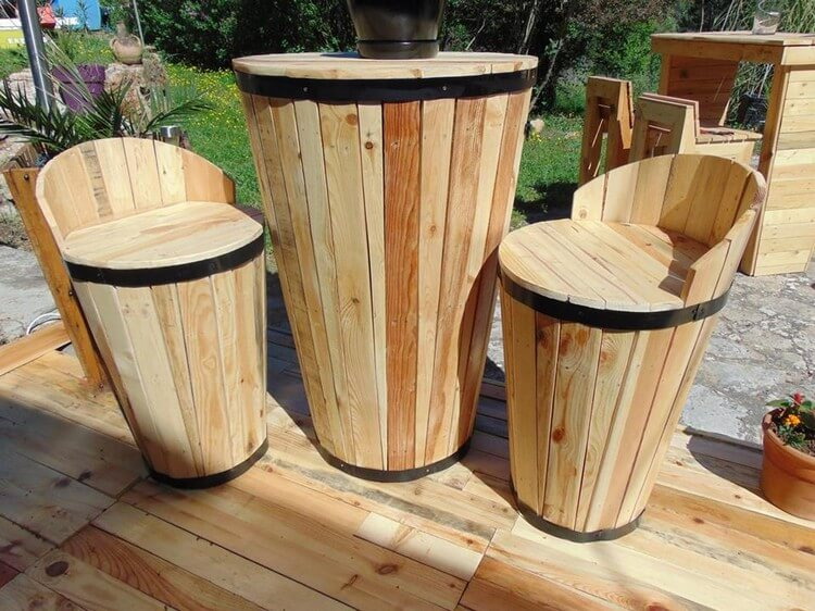 Pallet Terrace Seats and Table