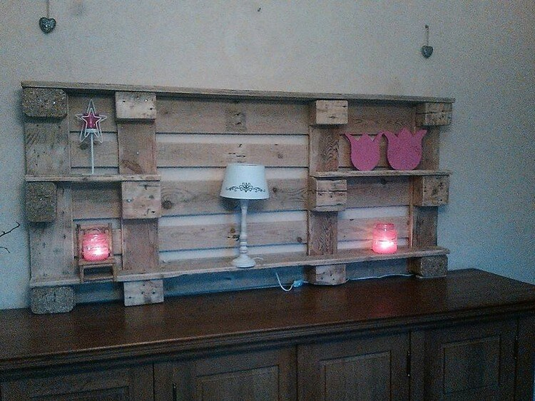 Pallet Wall Decor Shelf