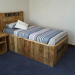 Wood Pallet Bed with Side Table