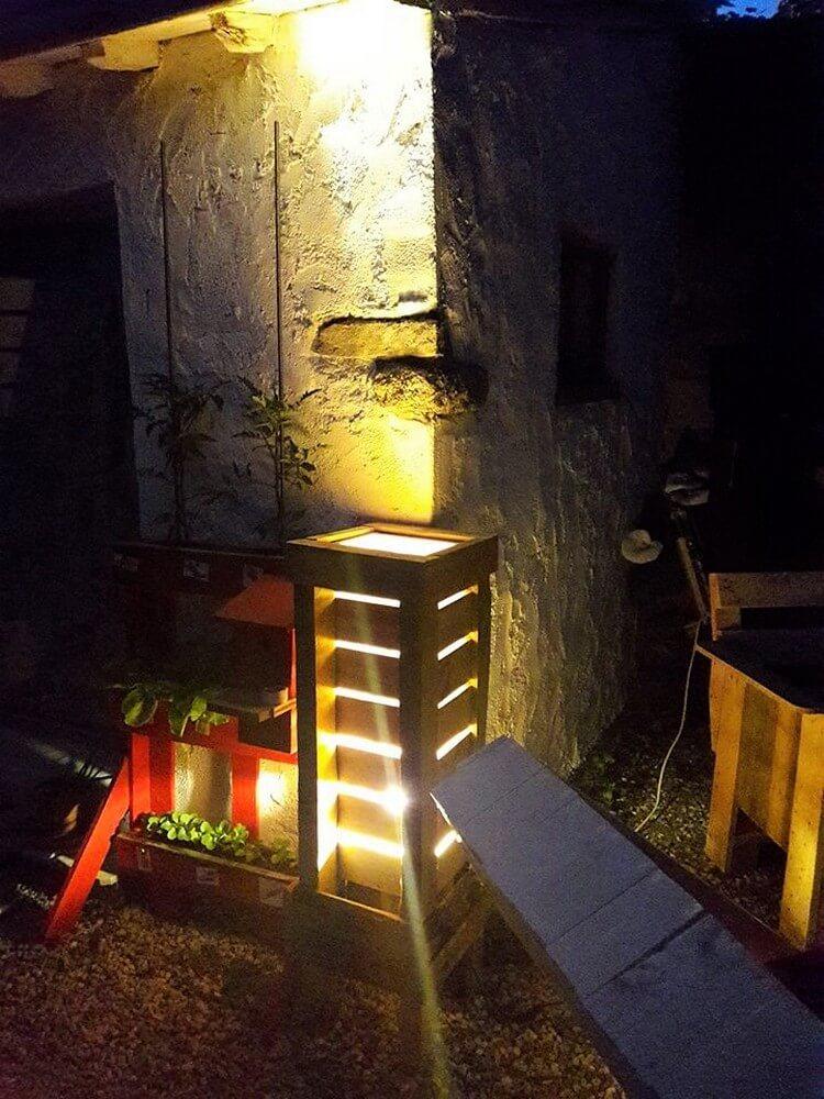 Wood Pallet Garden Lamp