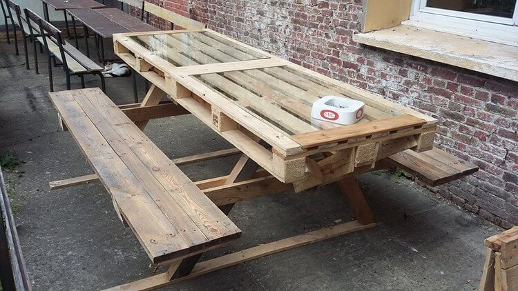 Big Pallet Table with Benches
