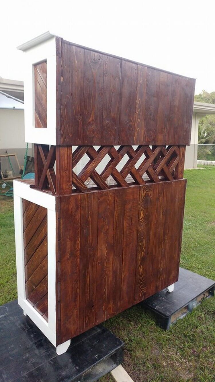 Classic Style Pallet Hutch