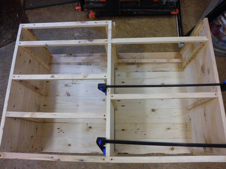 DIY Pallet TV Stand - Cabinet