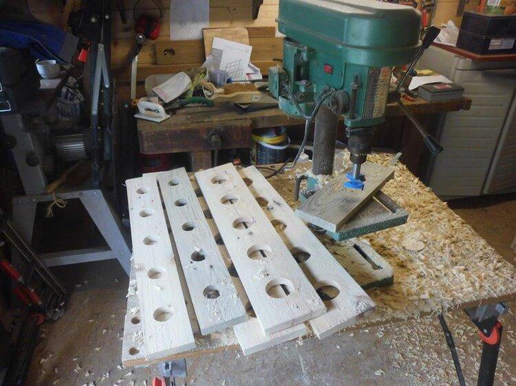 DIY Recycled Pallet Wine Rack