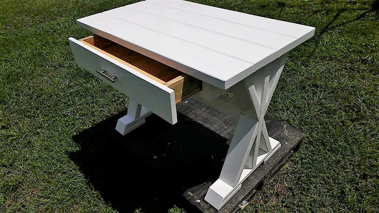 Mini Pallets Desk with Drawer