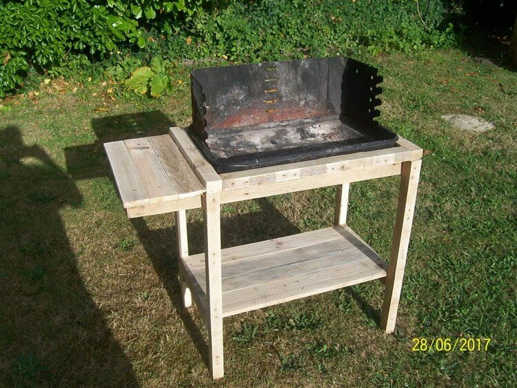 Pallet BBQ Table