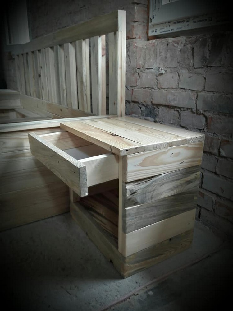 Pallet Bed Side Table