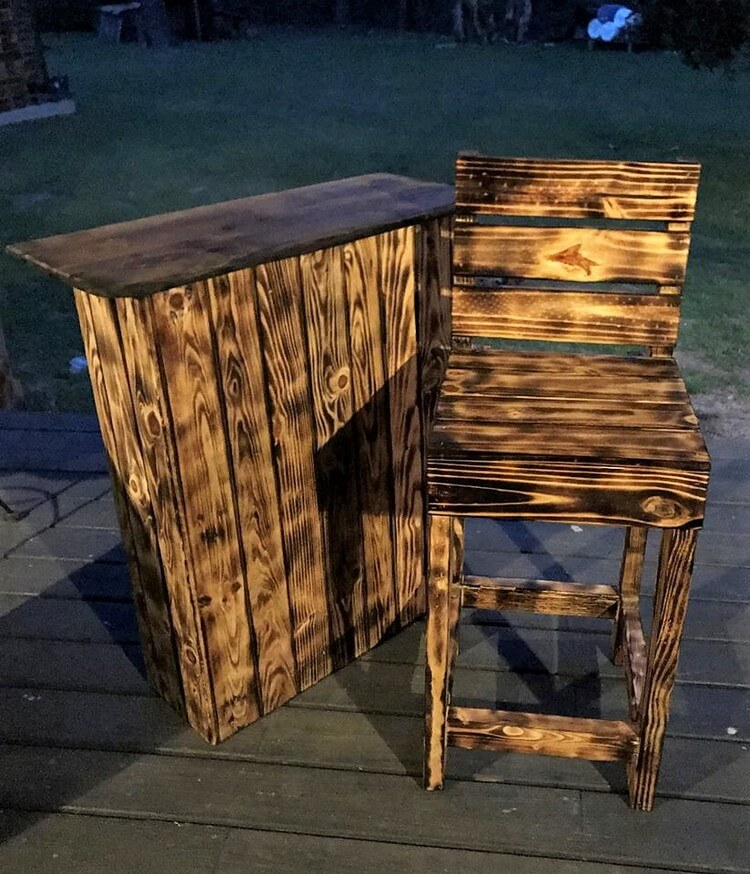 Pallet Outdoor Mini Bar and Chair
