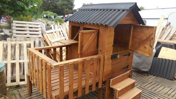 Pallet Patio Cabin or Playhouse
