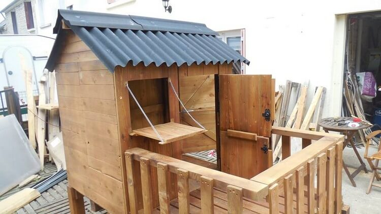 Pallet Playhouse or Patio Cabin