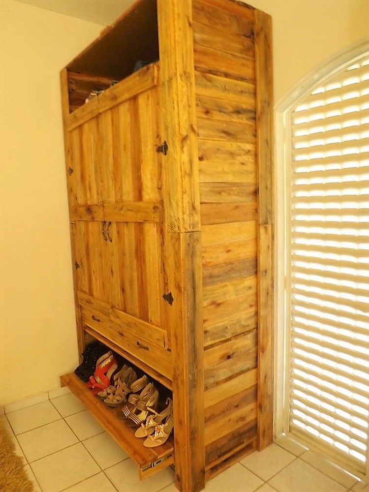Pallet Wooden Wardrobe with Shoe Storage
