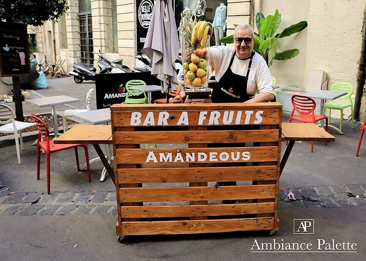 Fruits Bar Made Out Of Wood Pallets Pallet Wood Projects