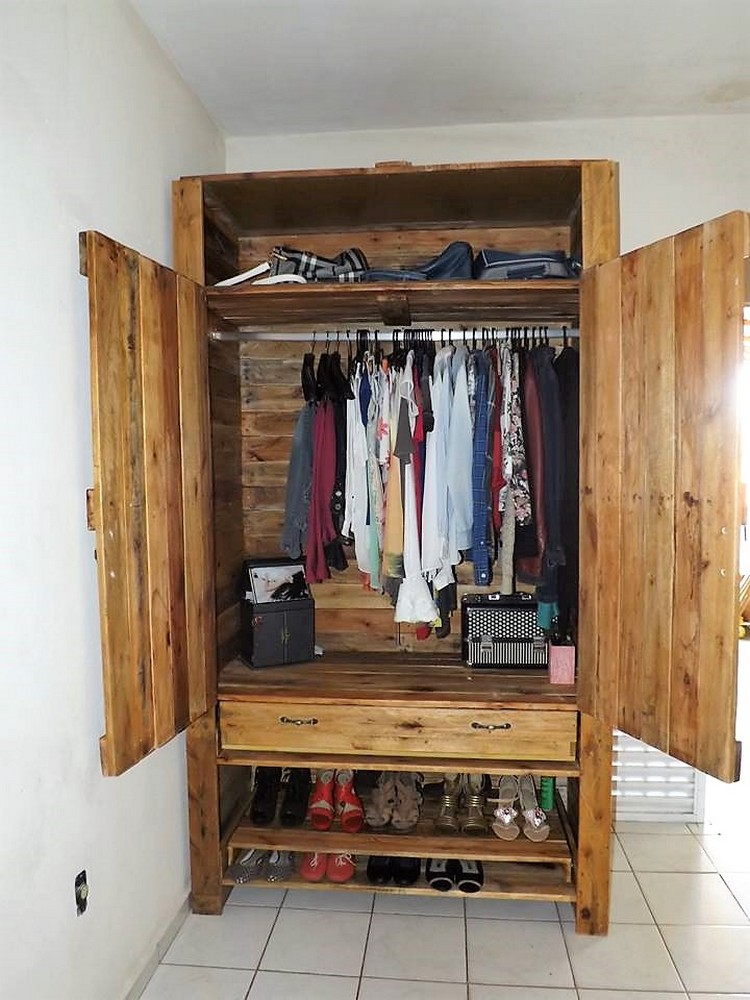Pallets Made Wardrobe with Shoe Storage