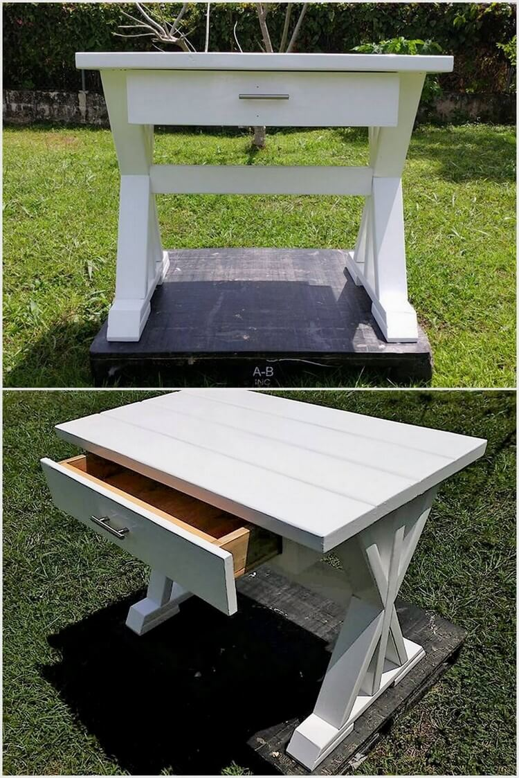 Pallets Mini Desk with Drawer