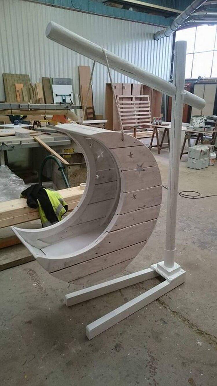 Unique Pallet Chair for Kids