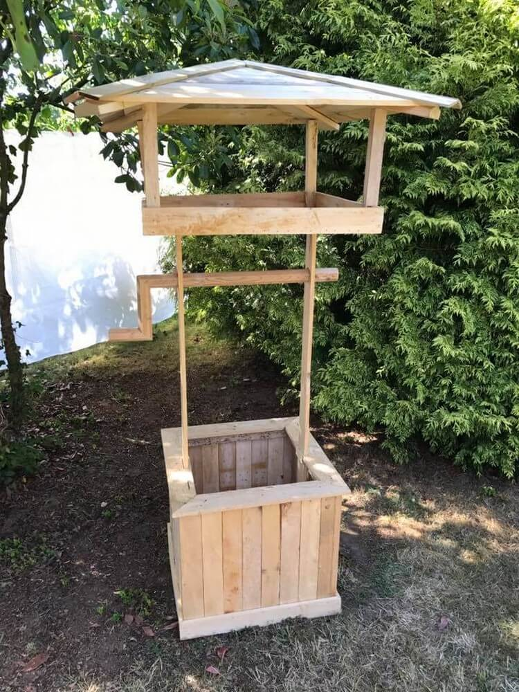 Unique Pallet Wishing Well