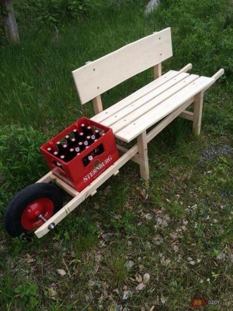 Unique Wood Pallet Bench