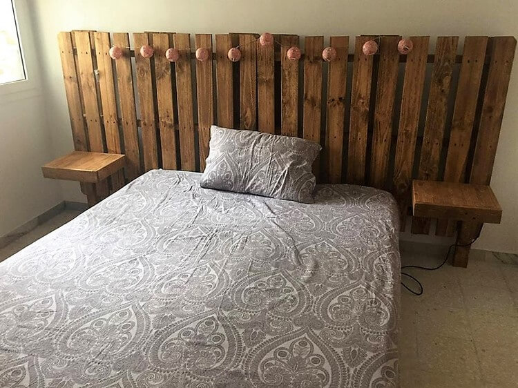 Unique Wood Pallet Headboard