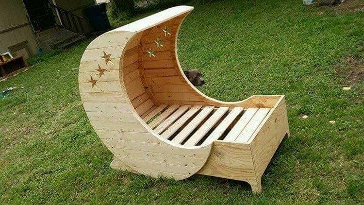 Unique Wooden Pallet Chair