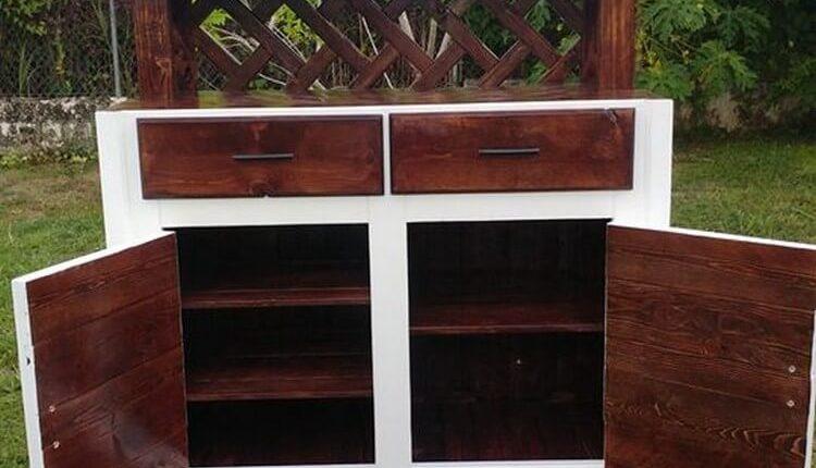 Wood Pallet Hutch