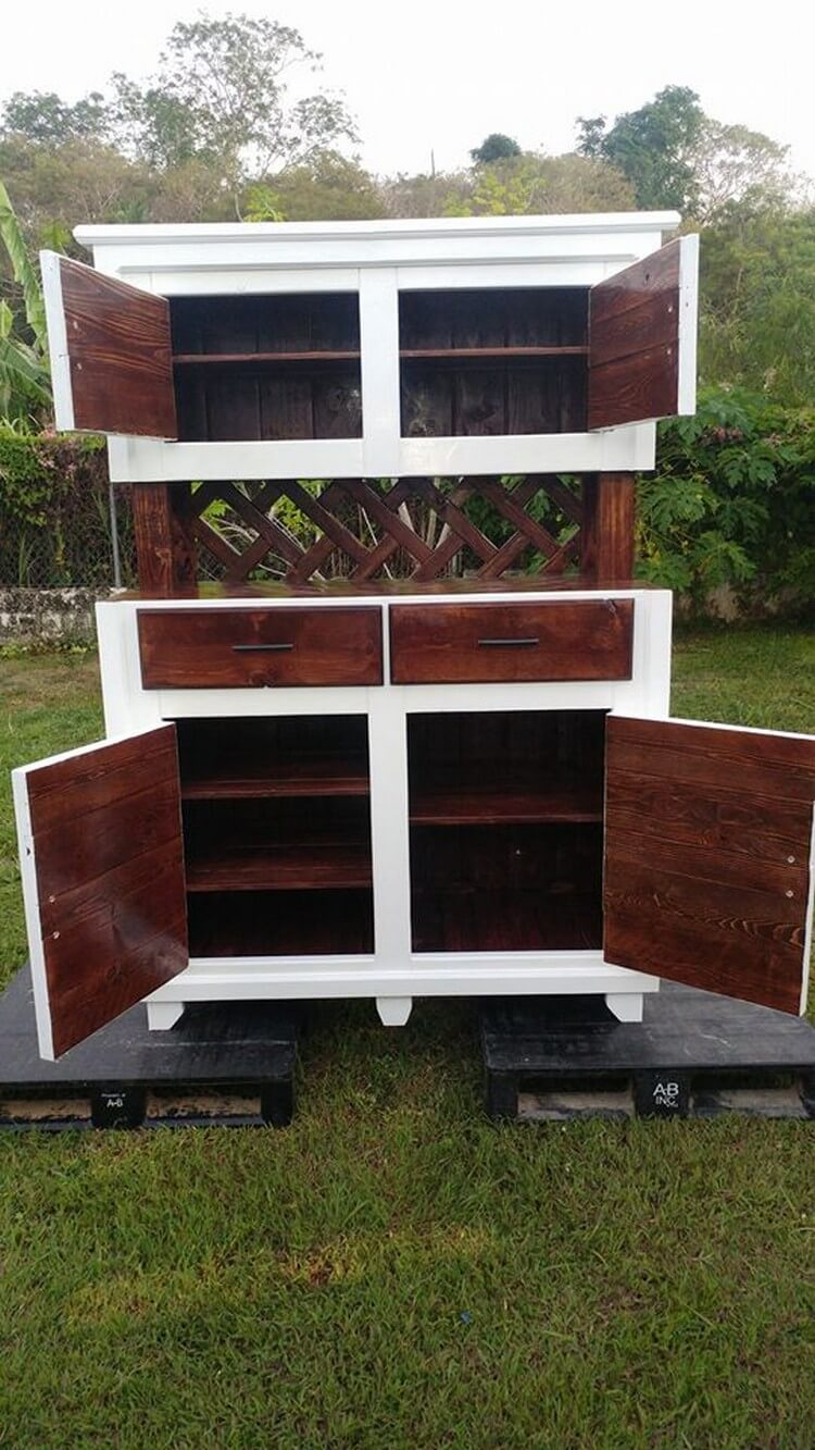 Recycled Wood Pallets Made Hutch | Pallet Wood Projects