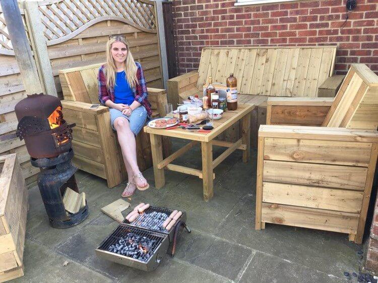 Wood Pallet Patio Furniture Set
