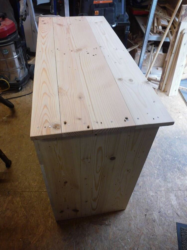 Wood Pallet TV Stand Top