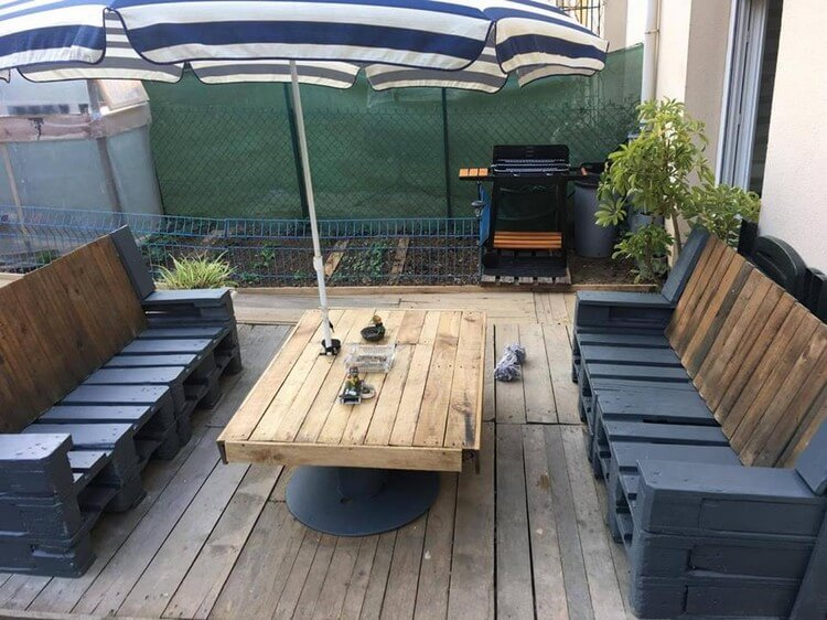 Wood Pallet Terrace with Furniture