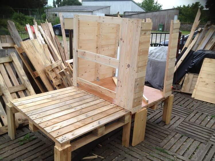 Wood Pallets Made Patio Cabin