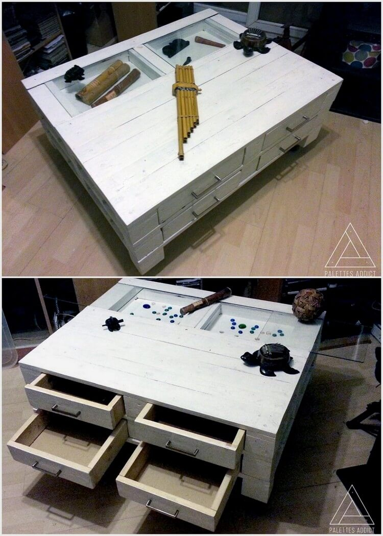 Wood Pallets Made Table with 4 Drawers