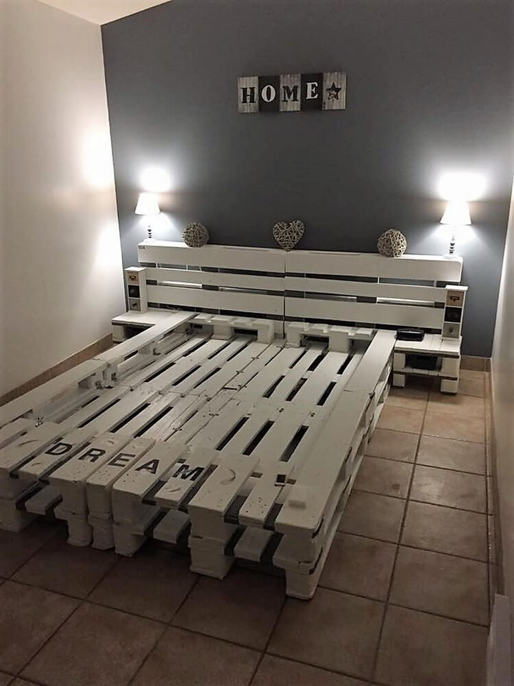 Exciting ways to reuse old shipping pallets pallet wood for Pallet bed with lights