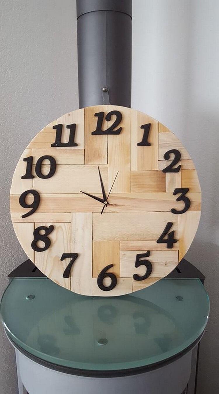 Wooden Pallet Clock