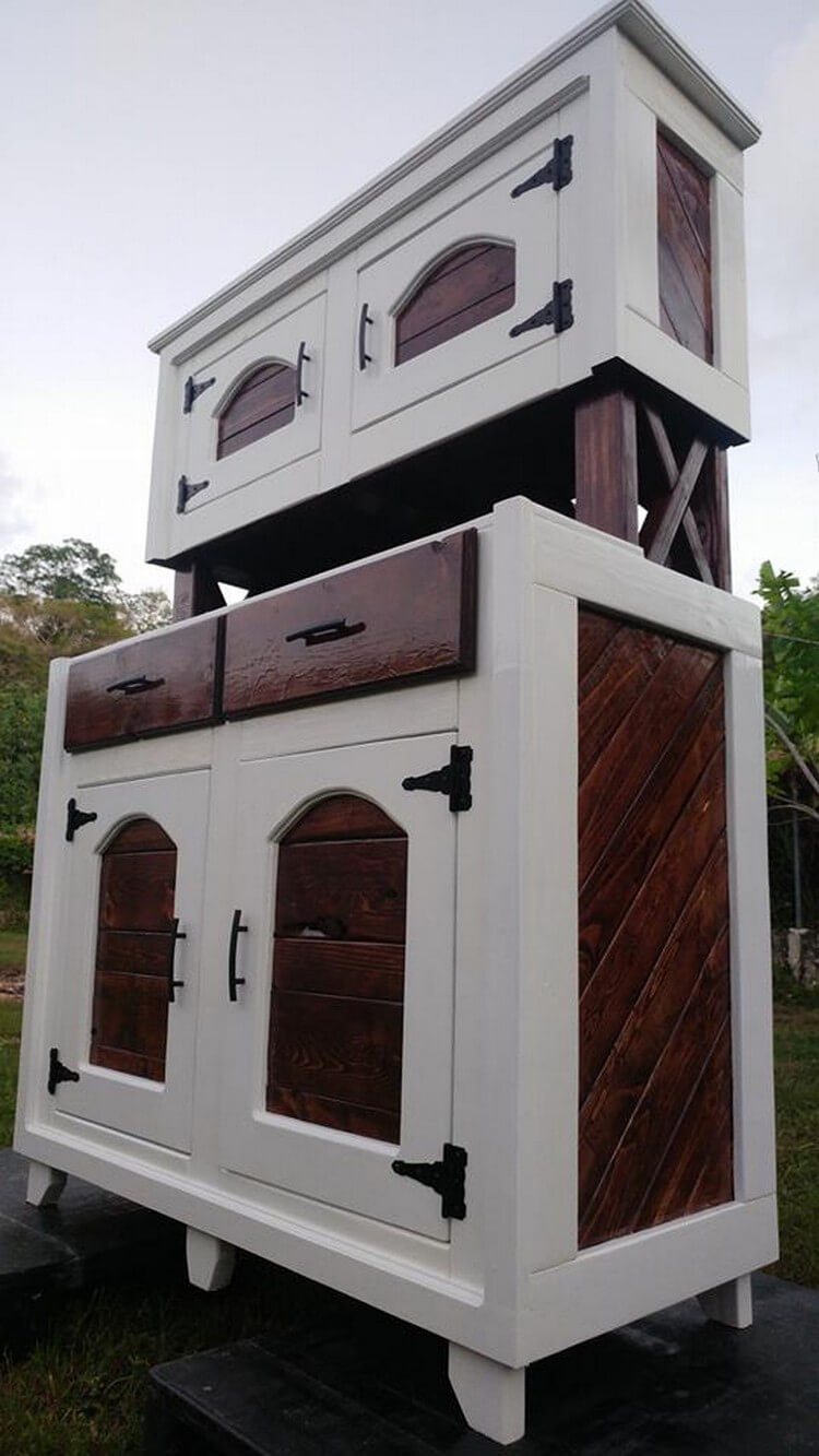 Wooden Pallet Hutch Plan