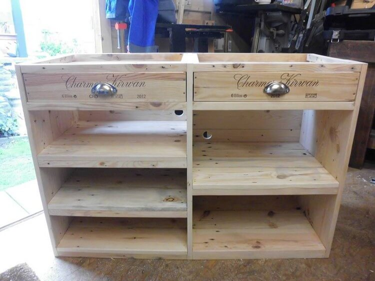 Wooden Pallet TV Stand Media Table