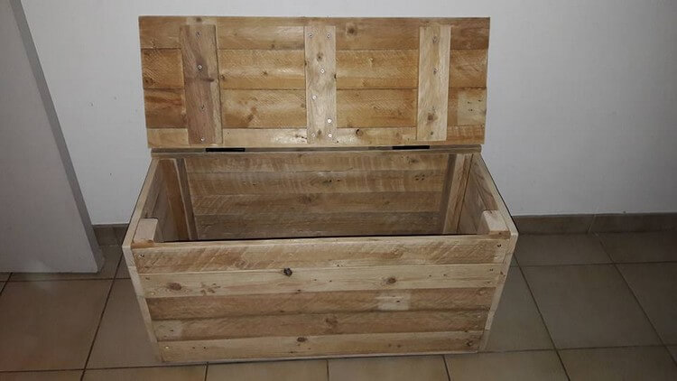 Wooden Pallet Toy Box
