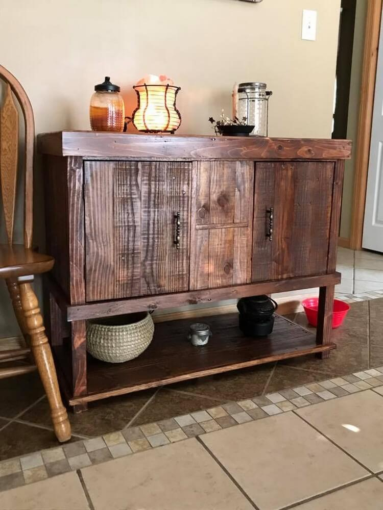 Make Something Different With Old Shipping Pallets
