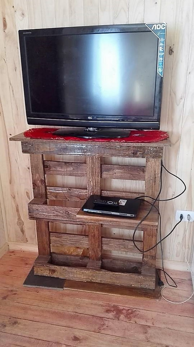 Pallet LED Stand