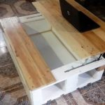 Lift Up Top Pallet Laptop or Coffee Table