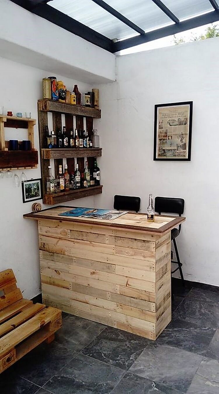 Pallet Bar Table and Wine Rack